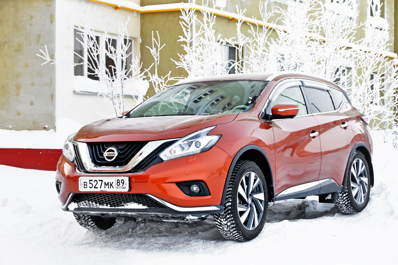 Nissan Murano in the snow